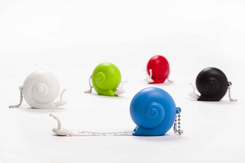 Ototo-39-inch snails